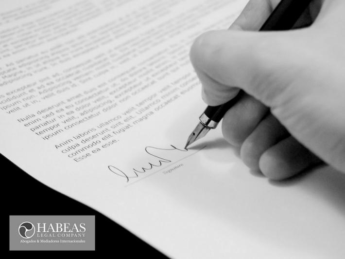 ¿En qué te tienes que fijar antes de firmar un contrato temporal?