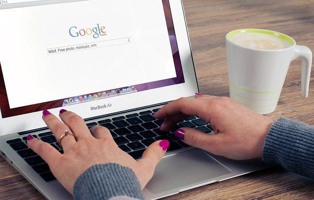 Quieres emprender, lo básico que debe llevar tu web.